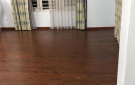 Tin sau chính chủ cho thuê căn hộ tập thể 25B Cát Linh, đầy đủ nội thất gia đình sang trọng