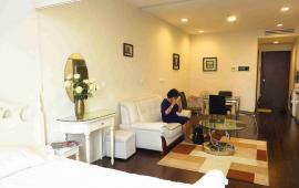 Cho thuê căn hộ 1 phòng ngủ chung cư Royal City, nội thất hiện đại, miễn phí dịch vụ