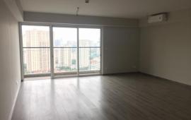 Cho thuê căn góc chung cư Seasons Avenue- Mỗ Lao, 100m2, 3PN, có rèm cửa, giá 12 tr/tháng
