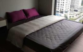 Gia đình cho thuê CH 2 phòng ngủ, đồ cơ bản, giá 8tr/th, CC Thái Hà, 43 Phạm Văn Đồng