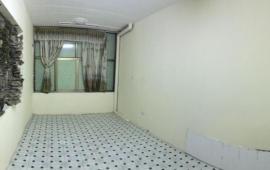 Cho thuê căn hộ 2PN tập thể Vĩnh Phúc - Ba Đình