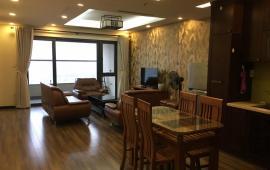 1 ngủ to và 1 ngủ nhỏ  cccc Star City Lê Văn Lương, đầy đủ nội thất đẹp, giá chuẩn chủ nhà. Vào luôn  0817959962