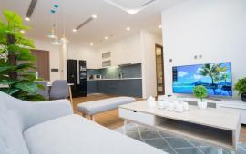 Chính chủ cho thuê căn hộ chung cư Vinhomes Metropolis Liễu Giai, 2 phòng ngủ full nội thất đẹp. LH 0936021769