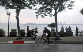 nhà lô góc mặt Hồ Tây, mặt phố Nguyễn Đình Thi, sổ 24m2, T2 32m2, siêu thoáng, chỉ 9.6 tỷ.