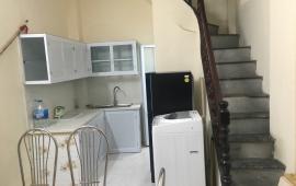 Cho thuê nhà 3,5tầngx3PN phố đội cấn nhà mới, đẹp có đủ nội thất giá 8tr/th LH:0902065699