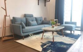 Mới nhận nhà tôi cho thuê căn hộ 3PN đủ đồ, view sông Hồng, giá tốt tại Sun Ancora
