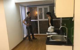 Cho thuê căn hộ tập thể tầng 4 45m2x2PN tại ngõ thịnh hào tôn đức thắng giá rẻ chỉ 4tr/th LH:0966763035