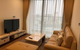 Chính chủ cho thuê căn hộ ở Vinhomes Metropolis, căn 2 ngủ, 82m2 tòa M2, view hồ tây, Lh 0936496919