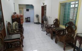 Cho thuê nhà tập thể Ban Tổ chức Trung ương 180 phố Ngọc Hà, Ba Đình (ngay đầu dốc Ngọc Hà).