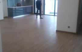 Chính chủ cho thuê CHCC Royal City, tầng 19, 2PN, DT: 104m2, giá 14 tr/tháng 0904565730