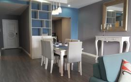 Cho thuê căn hộ 2 phòng ngủ Royal City 112 m2 full nội thất cao cấp – Lh: 0868660035