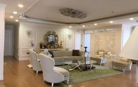 Cho thuê căn hộ chung cư Vinhomes Nguyễn Chí Thanh,170m2, 3 phòng, Full nội thất, Lh: 0974429283