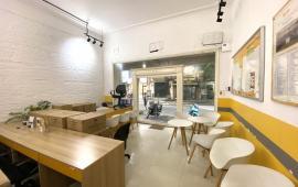 Cho thuê nhà mặt phố Sơn Tây, Ba Đình lô góc 3 mặt tiền 90m2 x 5T đẹp giá 55tr/th. LH: 0918746982