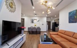 Chính chủ cho thuê căn hộ tại Ngọc Khánh Plaza cạnh hồ Ngọc Khánh, 115m2, 2PN, giá 13 triệu/tháng.