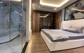 Cần cho thuê căn hộ chung cư D2 Giảng Võ, 130m2, 3PN, 2WC, đủ đồ, 18tr/th. LH: 0967905158